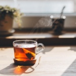 Si scrive tè, tea o thé?