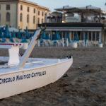 pattino sulla spiaggia di Cattolica